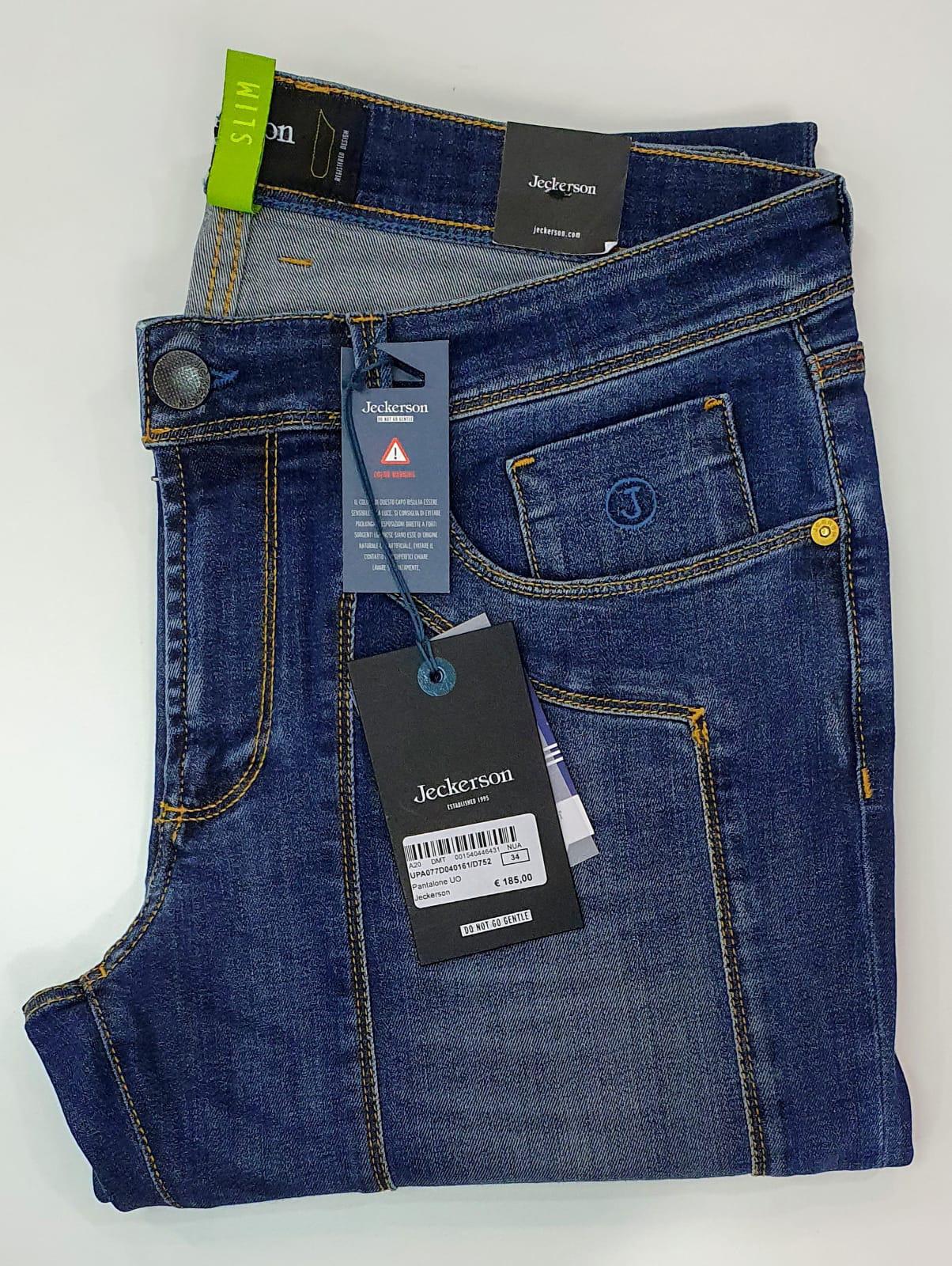 Jeans Jeckerson con toppa Blu scuro usato